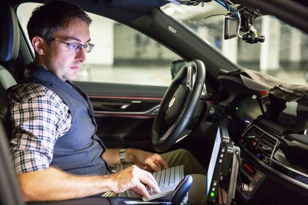 CES 2017 : une flotte de véhicules autonomes testée sur route