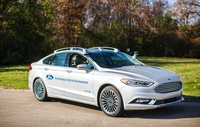 Véhicule autonome Ford Fusion Hybrid