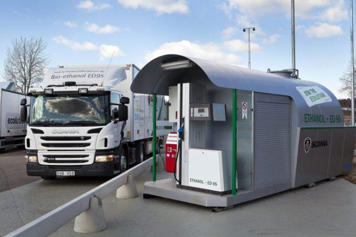 Un porteur Scania roulant à l'éthanol ED95