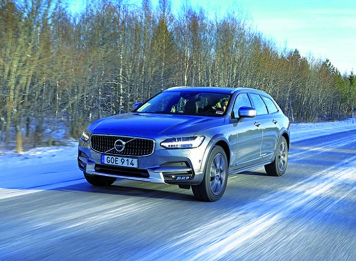 Volvo V90 Cross Country D4 - V90 CC