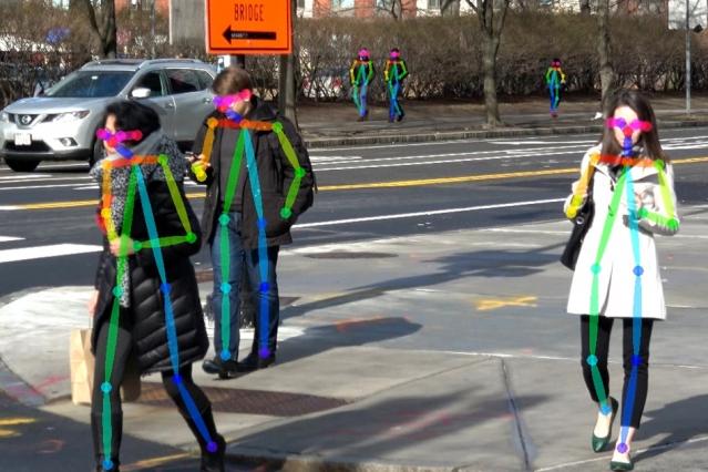 Dans le cadre du programme CSRC Next, le laboratoire AgeLab (MIT) a installé un système vidéo sur une intersection fréquentée à Cambridge pour étudier les mouvements des piétons dans les moindres détails. Source : MIT AgeLab