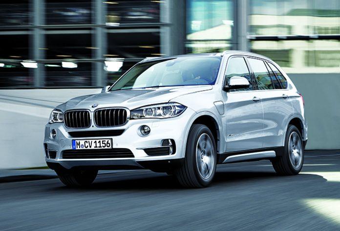 Haut de gamme : Le BMW X5 a fait appel au 4-cylindres et aux 2 roues motrices pour minorer ses émissions, soit 139 g en sDrive25d de 231 ch (à partir de 56 650 euros). Le passage à la transmission intégrale porte le score à 146 g (à partir de 59 700 euros).