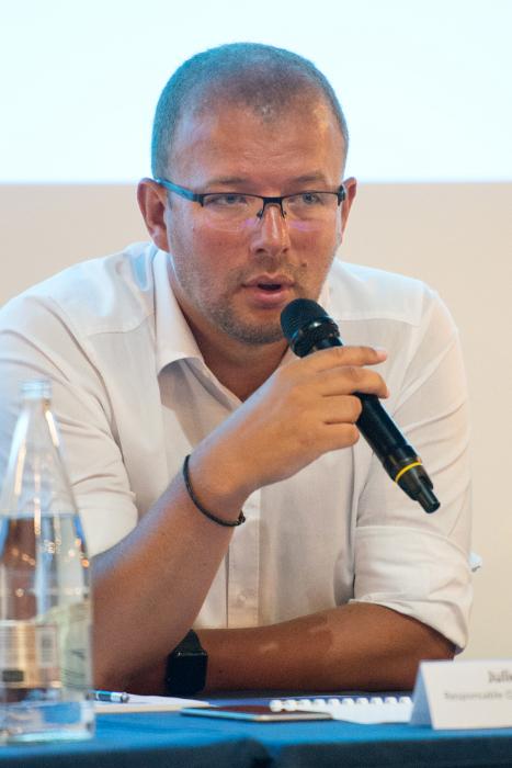 Julien Pouymayon, responsable QSE et logistique, Avenel