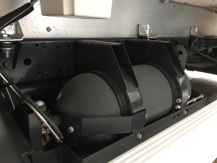 Fraikin - Vehicule GNV Iveco - Bonbonne de gaz