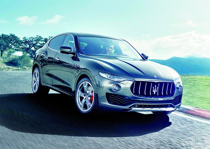 En 5,00 m, le Maserati Levante remplit son contrat pour l'espace à bord et le comportement. En diesel, le V6 3.0 de 275 ch à 189 g (à partir de 72 800 euros) apparaît bien raisonnable au regard de cette impressionnante calandre.