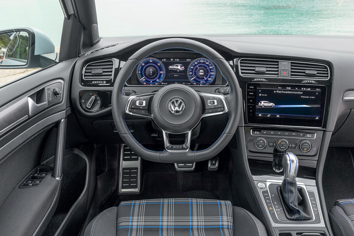 Volkswagen Golf GTE habitacle