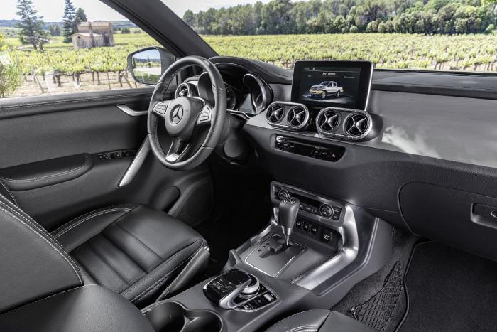 Mercedes Classe X pick-up interieur