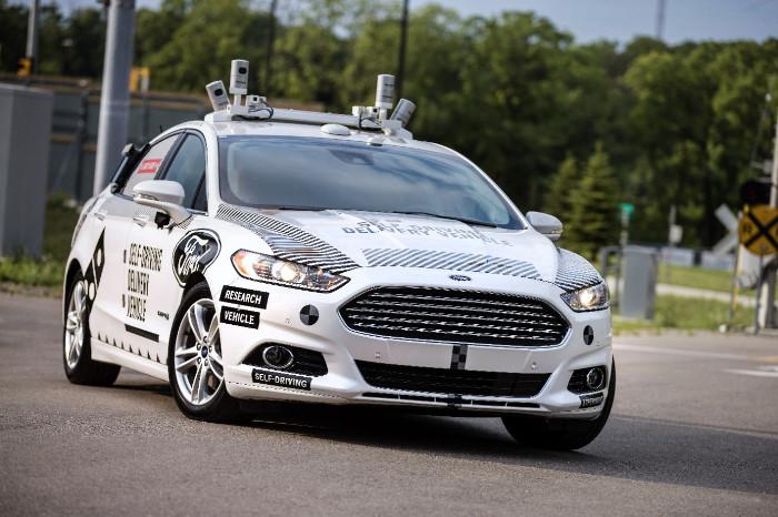 Ford Domino's : test de livraison à domicile par un véhicule autonome dans le simulateur d'environnement urbain Mcity de l'université de Michigan