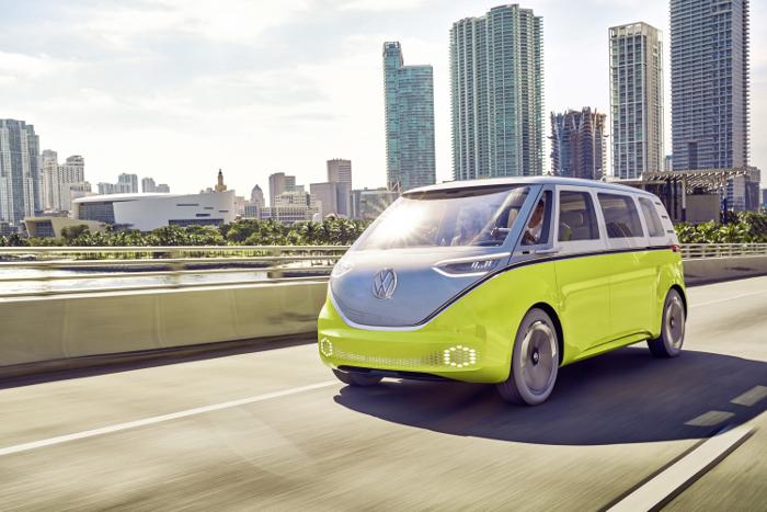 volkswagen un combi lectrique produit en s rie d s 2022. Black Bedroom Furniture Sets. Home Design Ideas