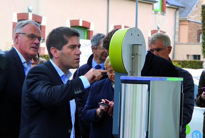 Christophe de Balorre, président du conseil départemental de l'Orne (à gauche) et Jérôme Nury, député de la circonscription de Flers – Argentan