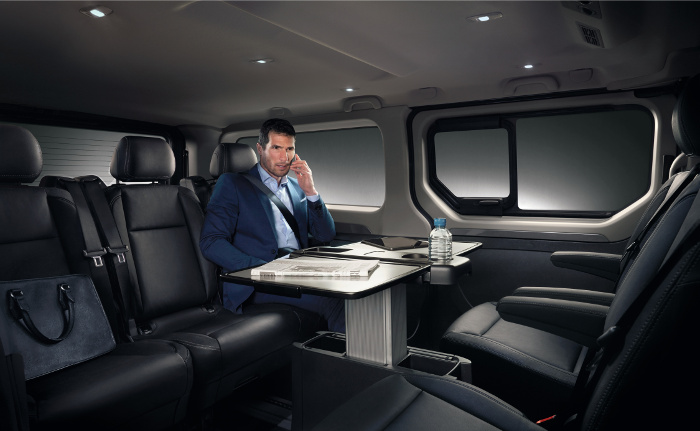 essai auto renault trafic spaceclass l utilitaire vip. Black Bedroom Furniture Sets. Home Design Ideas