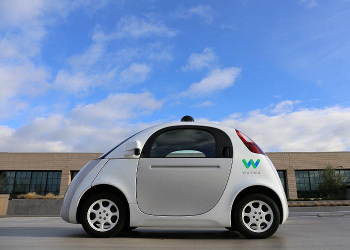 Firefly a été un des premiers prototypes pour les véhicules autonomes