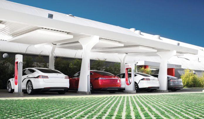 Bornes de recahrge : Superchargeurs Tesla