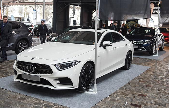 Pas d'information sur la motorisation et les tarifs de la troisième génération du Mercedes CLS : une façon de garder le mystère avant Genève.