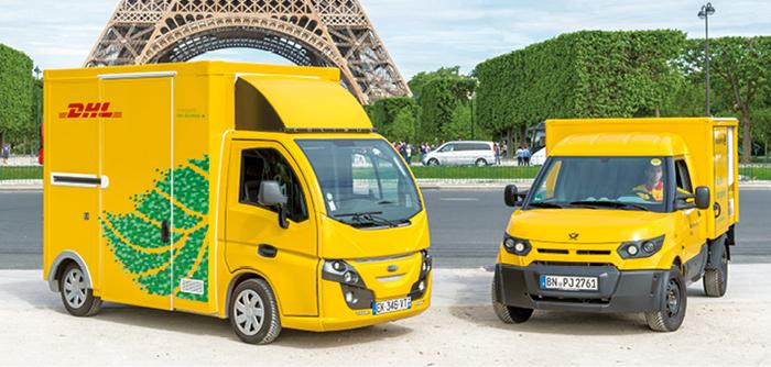 Transport durable - Le parc de DHL France Express regroupe 750 véhicules dont 450 VU. La majorité de la flotte est en diesel Euro V ou VI. DHL compte aussi une quarantaine de « routes vertes » dont une dizaine en propre : Zoé, Colibus et Nissan.