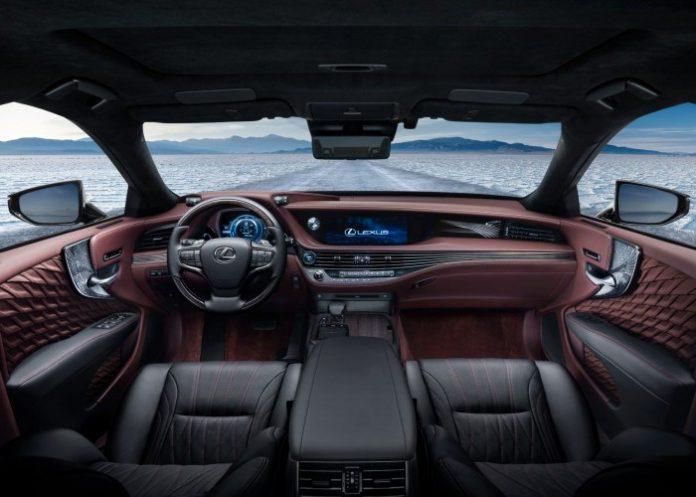 Lexus LS 500h interieur rouge