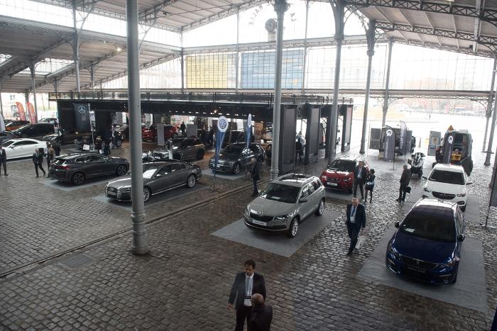 Rencontres Flottes Automobiles 2018 - 50 modèles exposés sous le péristyle