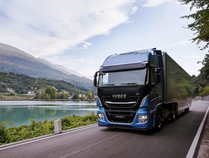 Green Finance . - Iveco et BNP Paribas Leasing - Stralis NP 460