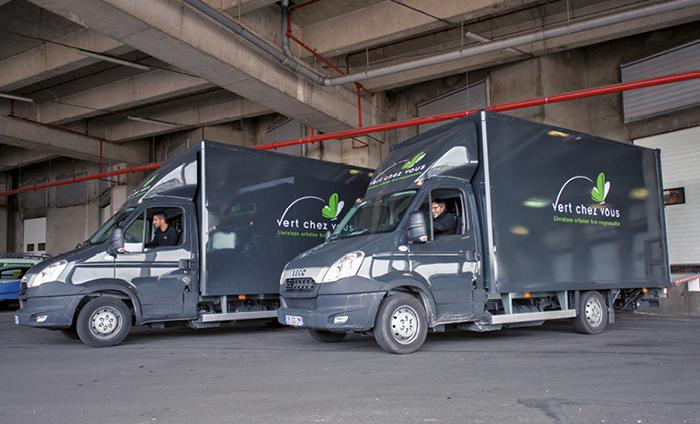 Transport durable - Pour son activité de distribution, l'entité Vert Chez Vous du Groupe Labatut ne recourt qu'à des véhicules propres dont des modèles de moins de 3,5 t électriques (Maxity, Nissan) ou GNV (Iveco), mais aussi des triporteurs électriques.