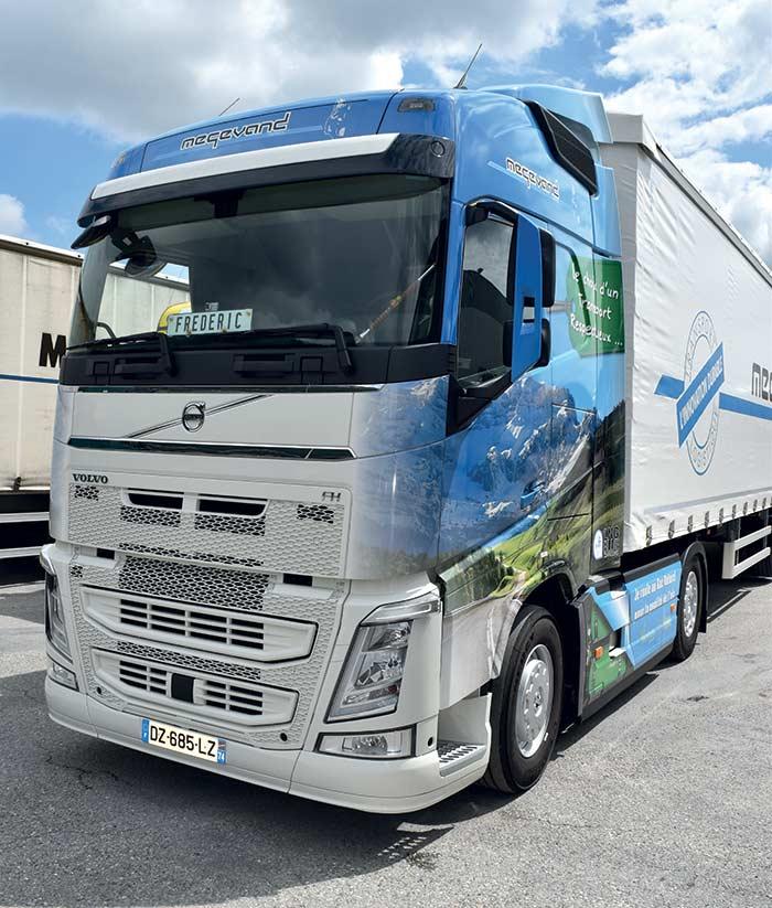 Volvo Dual-Fuel 460 + semi