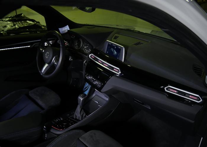 Le tableau de bord de la voiture Novares