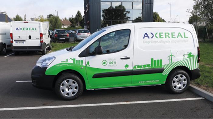 Utilisé par les services généraux d'Axéréal pour des déplacements courts, ce Partner est l'un des deux véhicules électriques de la flotte, aux côtés d'une Zoé mais également de deux Toyota Auris hybrides.