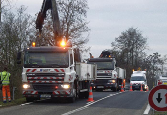 …Mais doit aussi gérer l'approvisionnement des chantiers, c'est-à-dire les chauffeurs PL,…