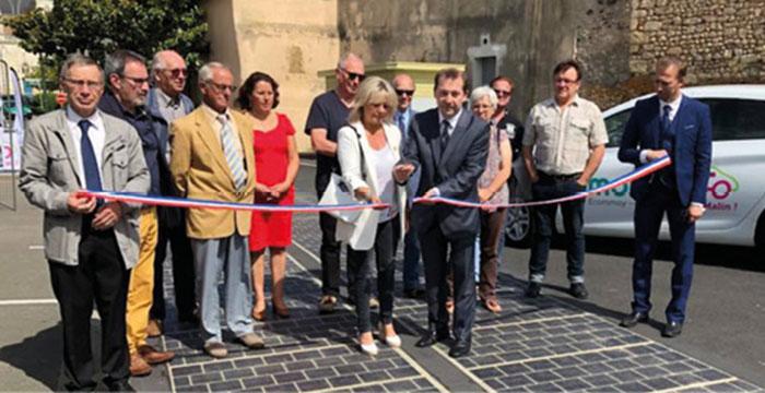 …en incluant l'aménagement d'une route solaire à Écommoy.