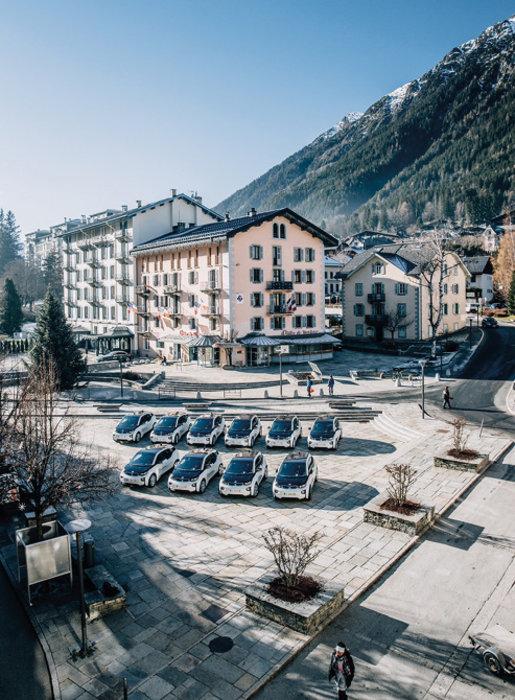 À Chamonix (74), dix véhicules électriques, en l'occurrence des BMW i3, se sont substitués à des diesel pour des trajets de moyenne distance, dans un rayon d'une soixantaine de kilomètres autour de la ville.