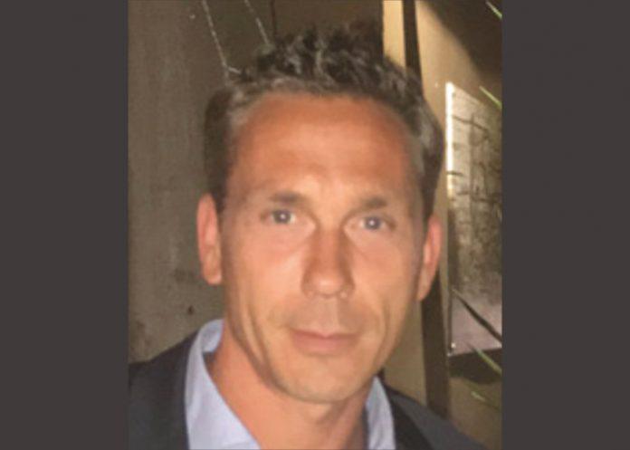 Vincent Vauchel, gérant du concessionnaire Infinite Automobiles