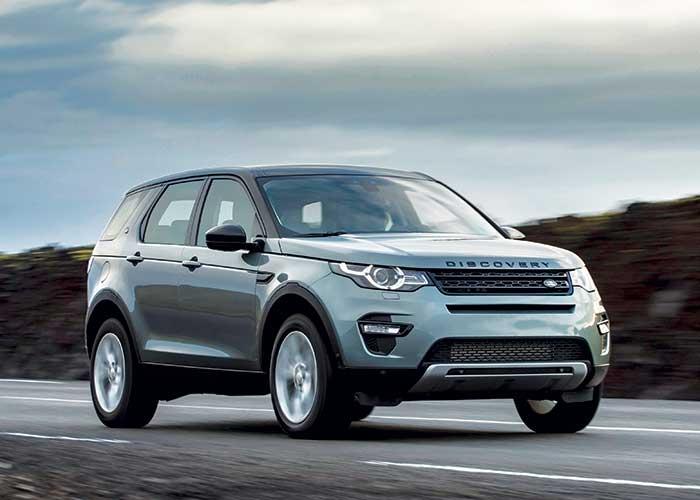 Par son ingéniosité, le Discovery Sport de Land Rover offre une version 7 places, mais sans pour autant excéder 4,50 m. À la manœuvre, nous retrouvons le 2.0 Diesel de 150 ch en FWD (149 g ; à partir de 35 800 euros).