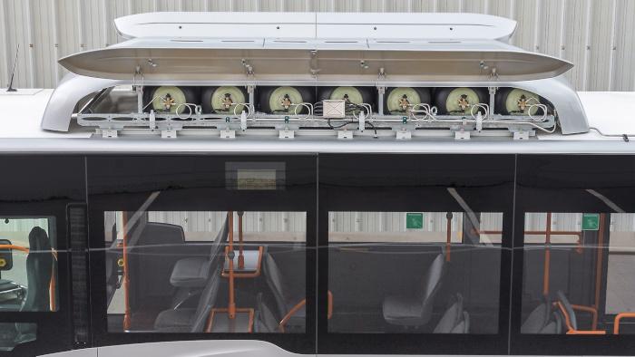Les réservoirs du Mercedes Citaro NGT sont en composite et situés sur le toit
