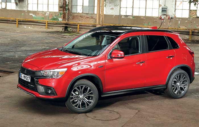 Avec le 1.6 Mivec de 115 ch en 2WD, l'ASX de Mitsubishi se trouve proposé au meilleur prix (119 g ; à partir de 22 490 euros). Alors que sa compacité n'en fait pas un aventurier, l'ASX a renoncé à sa version 4WD.