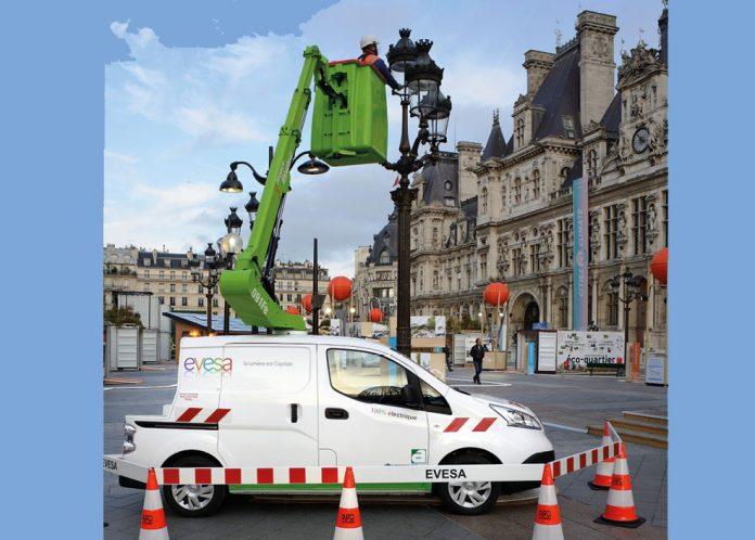 Cette nacelle de 9 m en version 100 % électrique a été créée à l'occasion de la Cop21, la conférence internationale sur les changements climatiques, dans le cadre d'un partenariat entre Evesa, Nissan France, France Élévateur et Atloc.