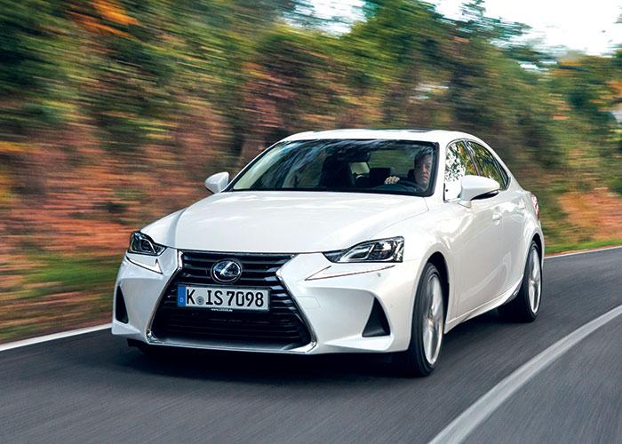 Le WLTP a fait passer les émissions de CO2 de l'IS 300h de Lexus de 97 à 104 g : 7 g supplémentaires et adieu l'exonération de TVS… Le prix est aussi à la hausse sur un an avec 400 euros supplémentaires (41 890 euros en Business).