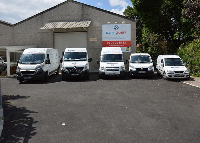 Chez Techni Chauff, une entreprise familiale de chauffagiste basée dans le Pas-de-Calais, la flotte d'utilitaires compte des modèles variés : un Transit, un Boxer, un Master, un Jumpy, un Hiace et un Combo.