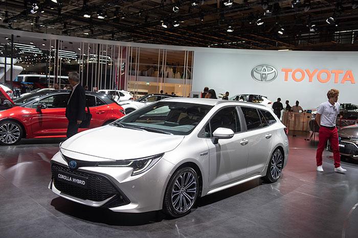 Toyota-Corolla-Hybrid