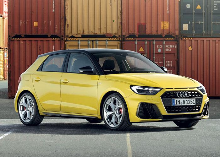 En Business, l'Audi A1 débute à 24 670 euros (+ 1 900 euros en boîte auto) avec le 3-cylindres 1.0 TFSI de 116 ch. Celui-ci émet 111 g en NEDC corrélé Euro 6d et passe à 125 g en WLTP à partir de septembre 2019, profitez-en !