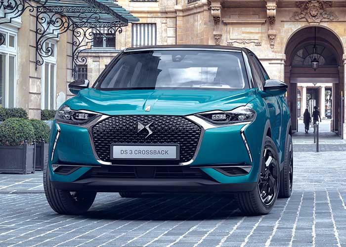 Livré à partir de la fin du printemps 2019, le DS 3 Crossback débutera à 28 600 euros en Business avec le 1.2 PureTech de 100 ch à 108 g, et à 31 600 euros en 130 ch boîte auto à 113 g seulement – des tarifs très premium !