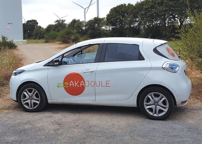 Spécialiste du conseil en transition énergétique, Akajoule s'appuie sur une flotte de six véhicules dont deux Zoé en location longue durée, qui ont remplacé des modèles thermiques deux places.