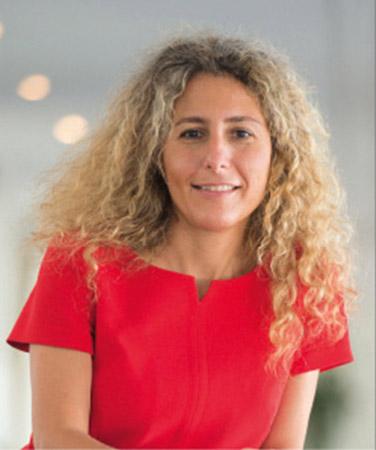Cahiers Experts Free2Move - Brigitte Courtehoux, directrice des services de mobilité et de connectivité au sein du comité exécutif du Groupe PSA