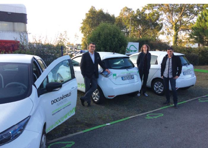 Spécialiste de l'impression 100 % numérique, Docuworld utilise dix véhicules dont quatre électriques, et vise le 100 % électrique en 2022, à l'exception d'un gros utilitaire pour les livraisons volumineuses.