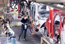 L'usine Toyota de Valenciennes se veut extrêmement compacte : un seul bâtiment réunit la presse, la carrosserie, la peinture, l'assemblage et la logistique, contrairement aux sites classiques avec un bâtiment par atelier.