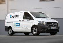Livraison du premier eVito de la production en série à Hermes Allemagne à l'occasion de l'ouverture du centre logistique Hermes à Hambourg.