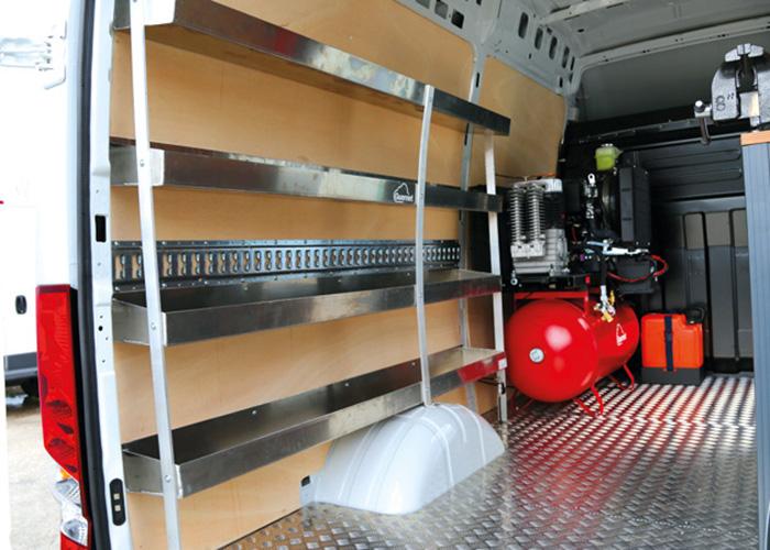 Véhicule d'intervention Guernet pour la maintenance des pneumatiques, compresseurs Guernet