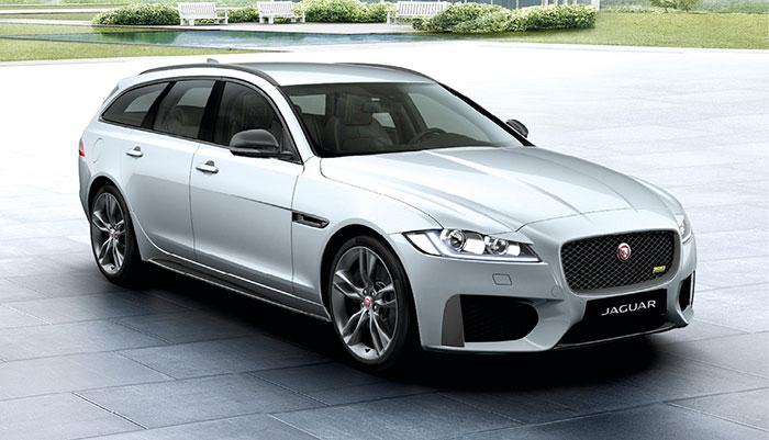 La Jaguar XF (4,95 m de long en berline et en break) défend les couleurs britanniques. L'offre débute à seulement 42 400 euros en 2.0 l turbodiesel de 163 ch et 129 g, complétée par une version de 180 ch et 131 g (à partir de 44 700 euros).