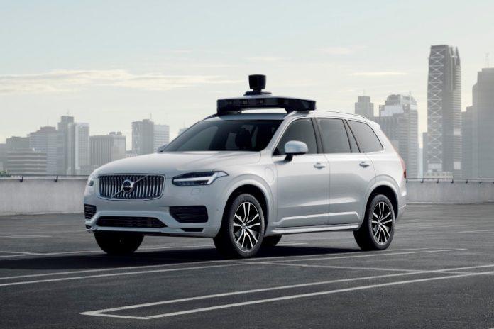Volvo et Uber présentent un véhicule autonome de série