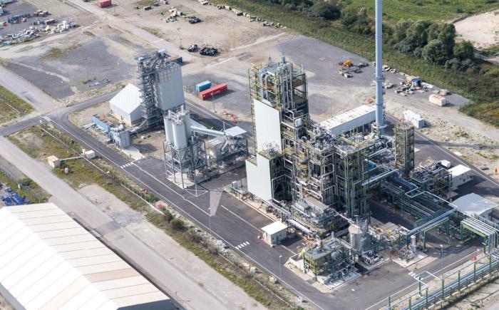Le projet BioTfueL vise à démontrer d'ici 2020 la validité d'un procédé de conversion, par voie thermo- chimique, de la biomasse lignocellulo- sique (paille, résidus fores- tiers, cultures dédiées, etc.) en biogazole et en biokérosène. Source : Ifpen