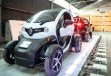Au sein de l'institut Vedecom, des ingénieurs expérimentent une solution alternative aux batteries embarquées, la piste à induction: celle-ci permet de recharger les véhicules électriques en roulant.