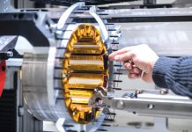 Moteur électrique - stator en cours de bobinage automatique